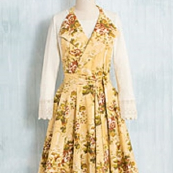 April Cornell Rosalie Collar Apron Gold Floral
