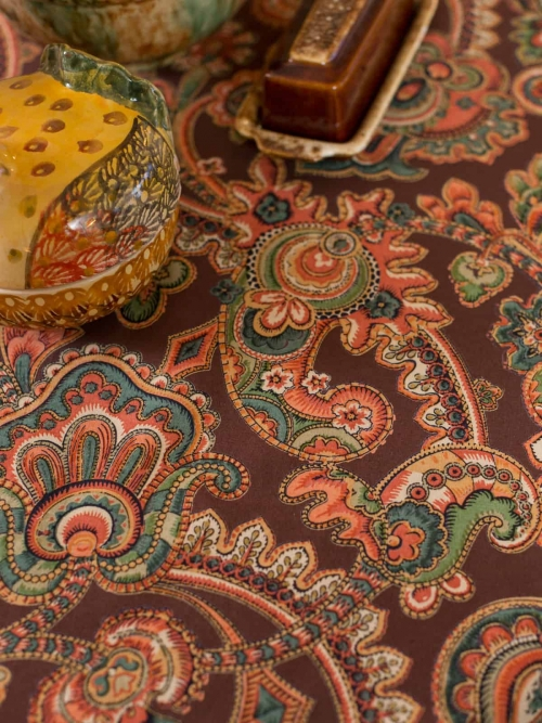April Cornell Tablecloth Queen's Court Paisley
