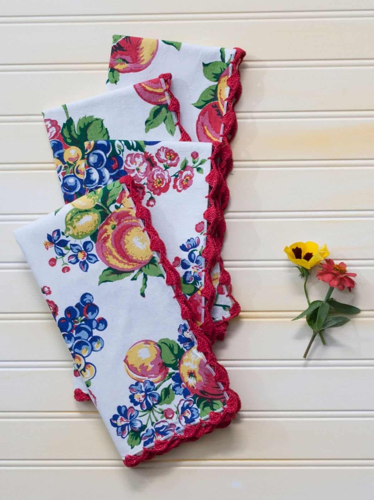 April Cornell Kitchen Napkin Set/4 Fruit Basket