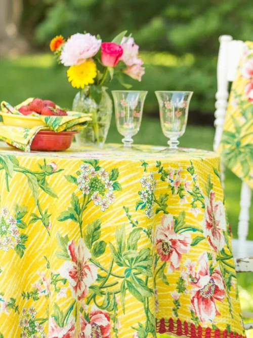 April Cornell Tablecloth Water Lily 36x36 Yellow